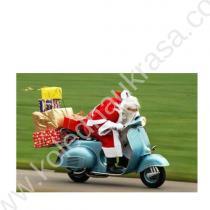 дядо Коледа с подаръците на мотор